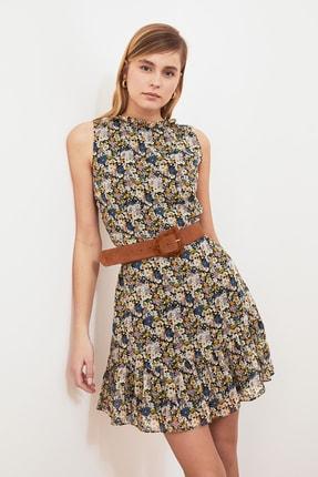 TRENDYOLMİLLA Ekru Desenli Fırfırlı Elbise TWOSS20EL0681