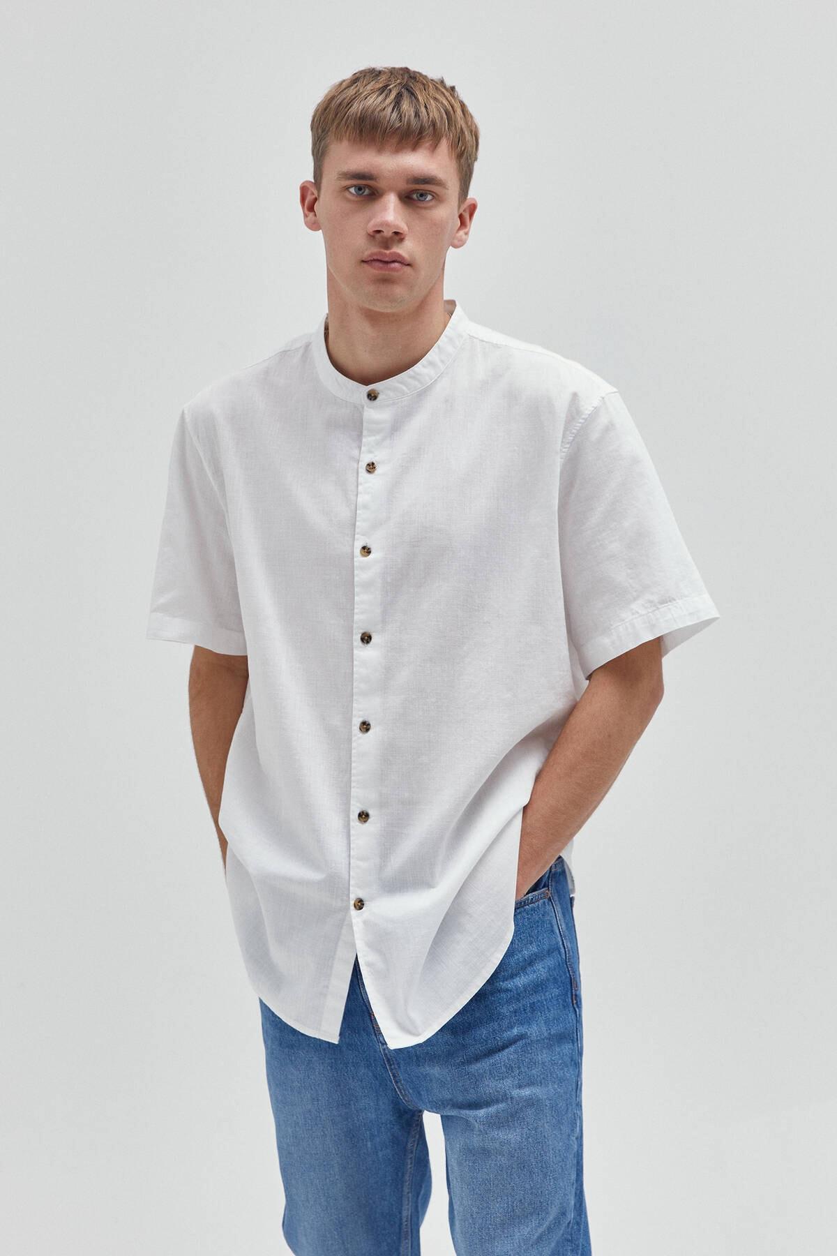 Pull & Bear Erkek Kısa Kollu Hakim Yaka Basic Gömlek 1