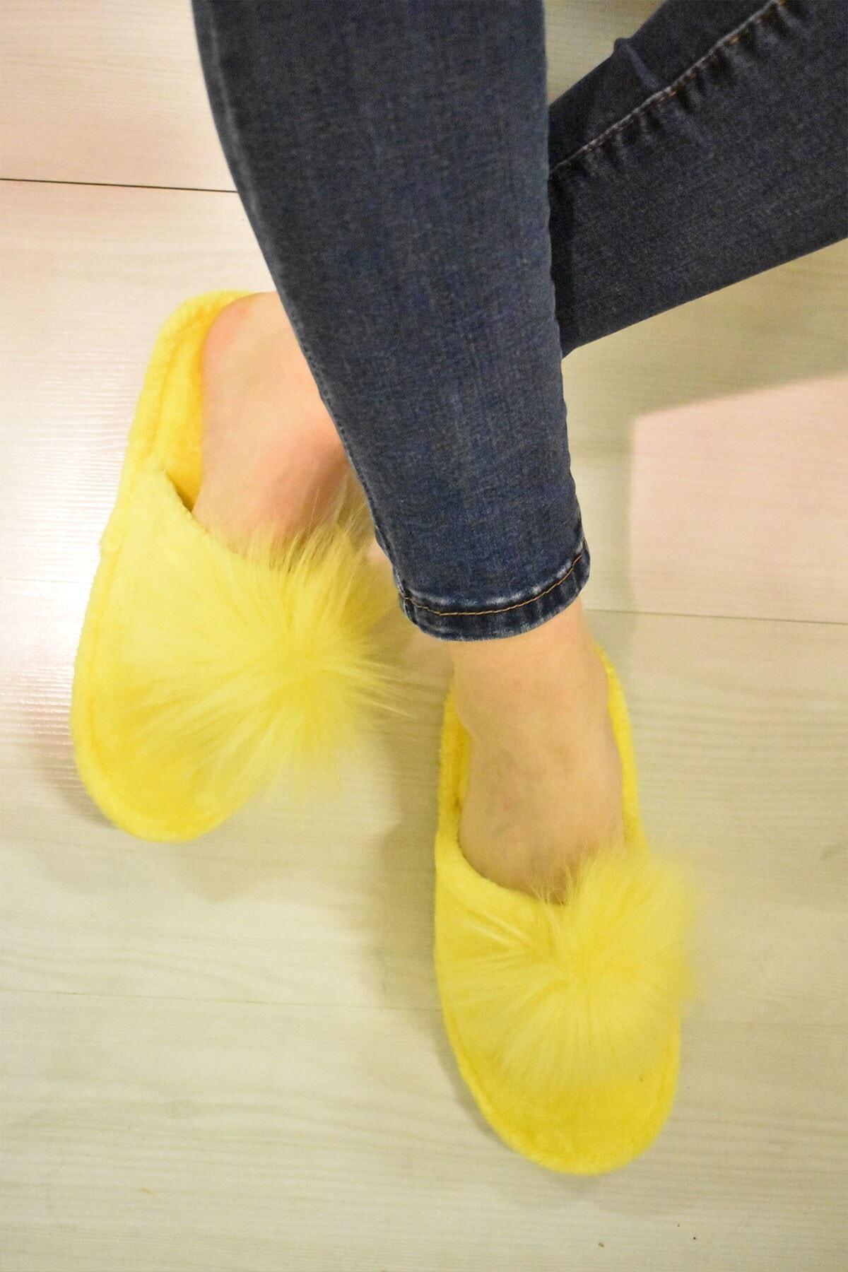Evin Kadın Sarı Pon Pon Ev Terliği 2