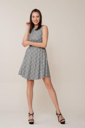 GIZIA CASUAL Pembe Sim Detaylı Gri Mini Elbise