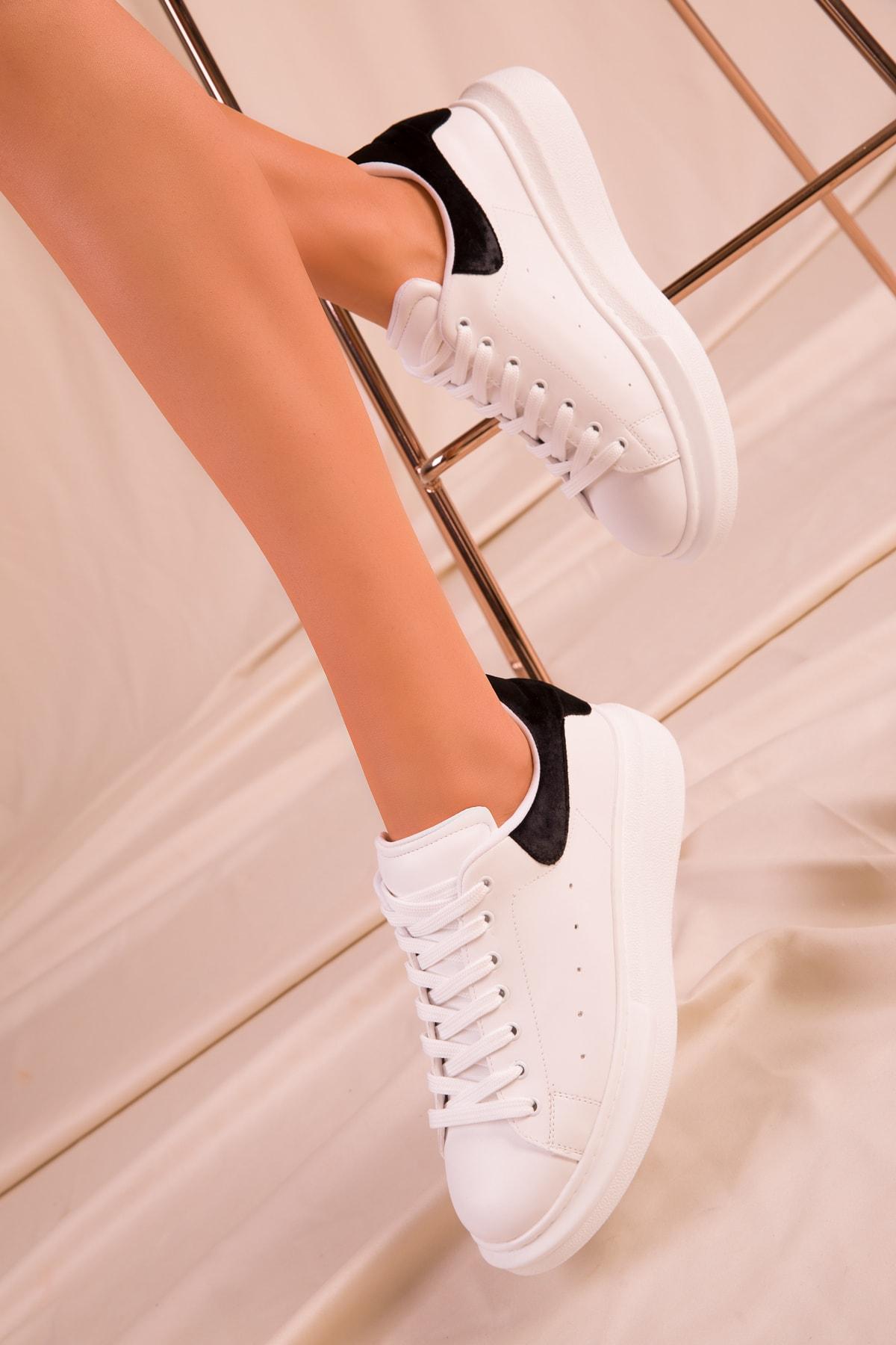 SOHO Beyaz-Siyah Kadife Kadın Sneaker 15732 1