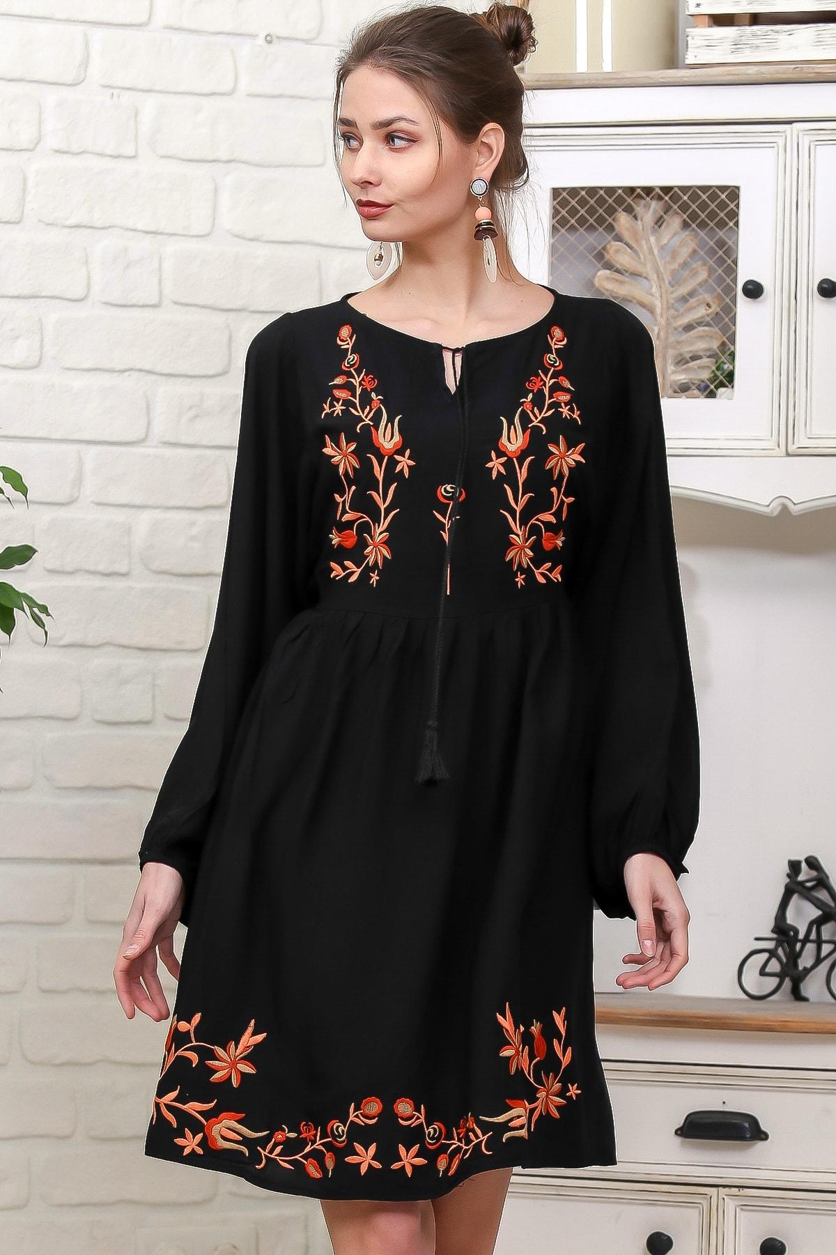 Chiccy Kadın Siyah Çiçek Nakışlı Balon Kol Dokuma Salaş Elbise M10160000EL95936
