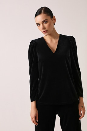 Gusto V Yaka Kadife Bluz - Siyah