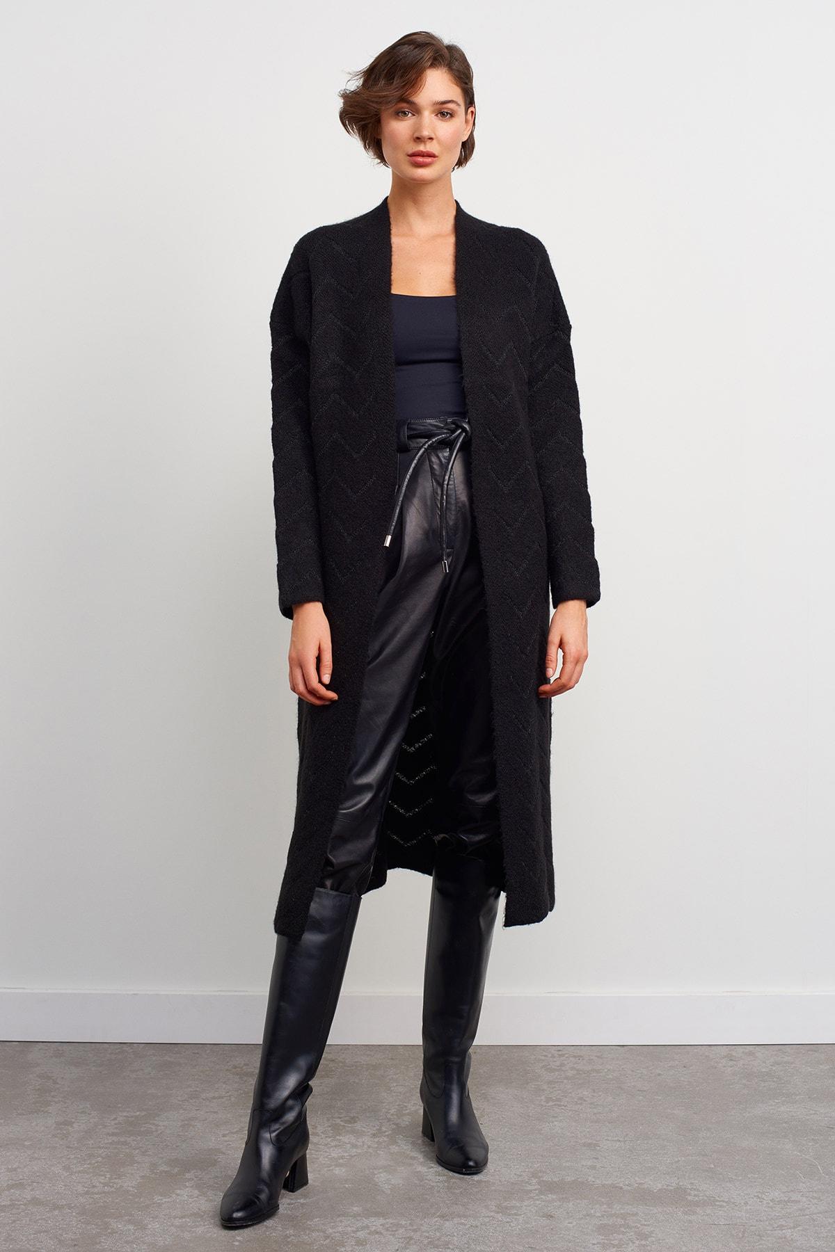 JOIN US Kadın Siyah Zikzak Desenli Uzun Triko Hırka 1