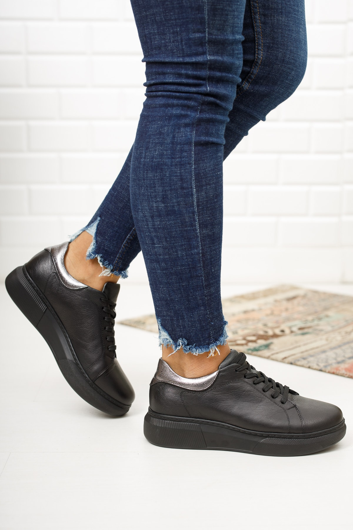 Deripabuc Hakiki Deri Siyah Kadın Deri Sneaker Dp15-0072 1