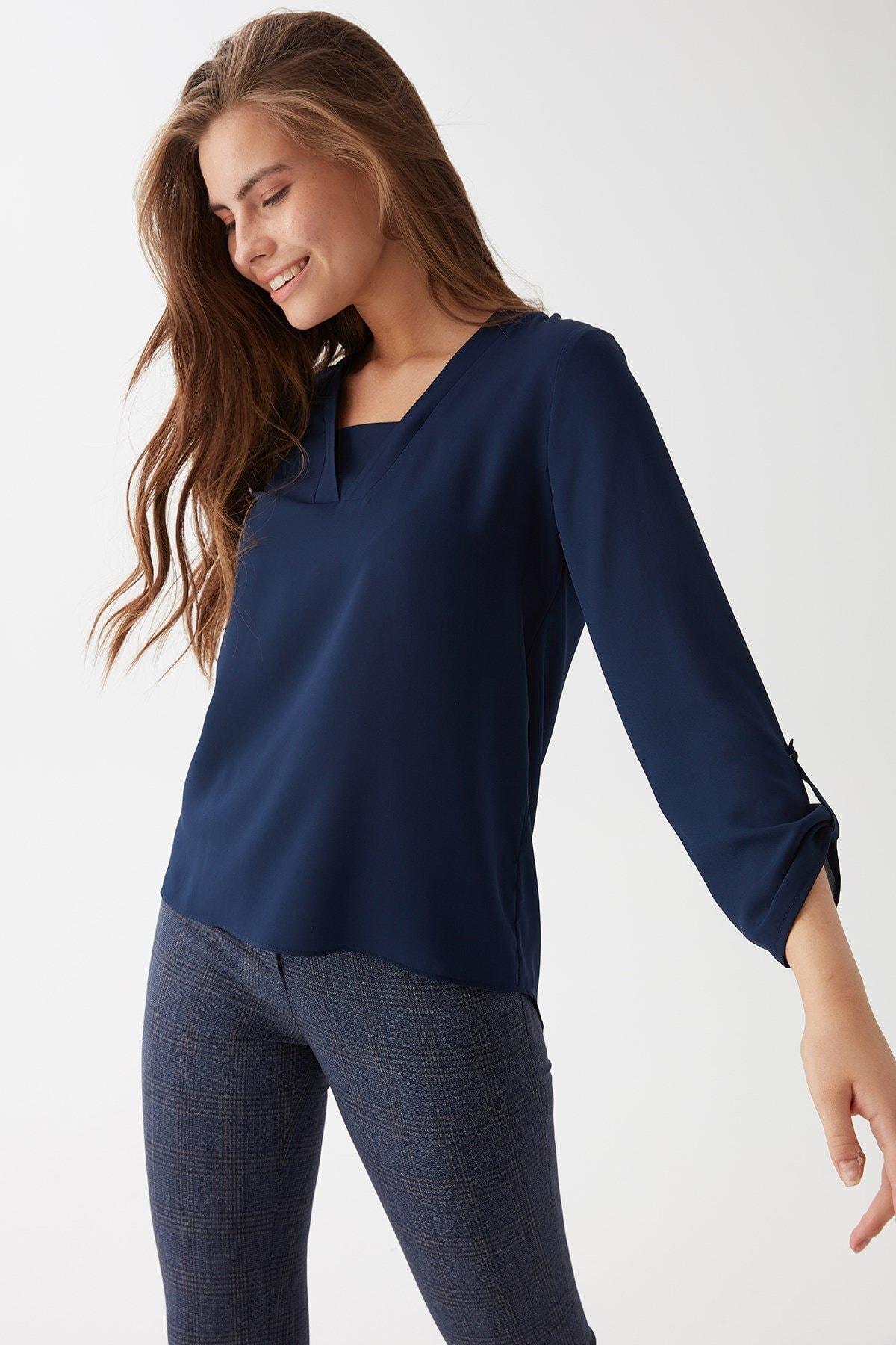 Chima Kadın Lacivert V Yaka Bluz 1