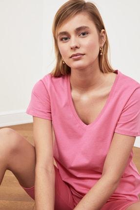 TRENDYOLMİLLA Pembe %100 Pamuk V Yaka Basic Örme T-Shirt TWOSS20TS0129