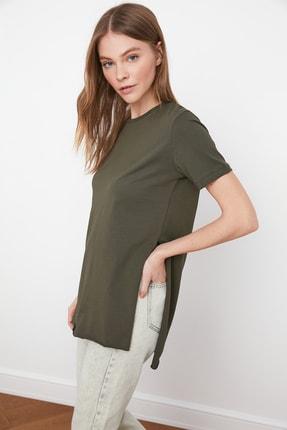 TRENDYOLMİLLA Haki Asimetrik Boyfriend Örme T-Shirt TWOSS20TS0829