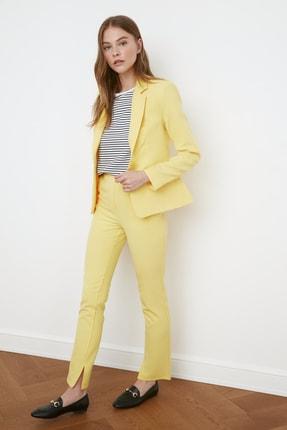 TRENDYOLMİLLA Sarı Düğme Detaylı Blazer Ceket TWOSS21CE0039
