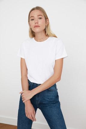TRENDYOLMİLLA Beyaz %100 Pamuk Bisiklet Yaka Basic Örme T-Shirt TWOSS20TS0133