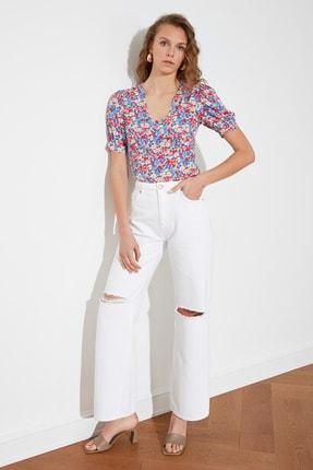 TRENDYOLMİLLA Beyaz Yırtık Detaylı Yüksek Bel Wide Leg Jeans TWOSS21JE0630