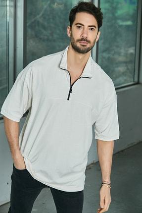 Sateen Men Erkek Bej Dik Yaka Yazı Baskılı T-Shirt