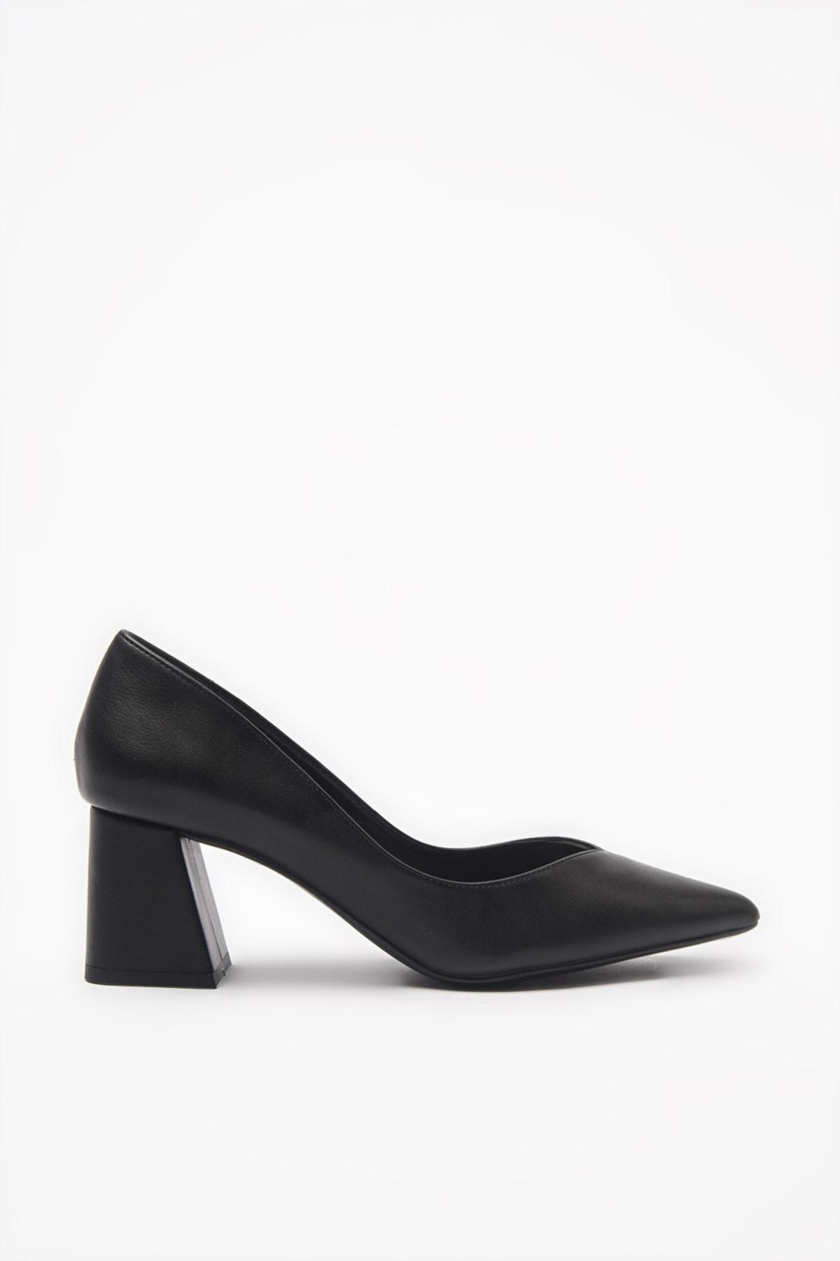 Hotiç Siyah Kadın Klasik Topuklu Ayakkabı 01AYH193860A100 2
