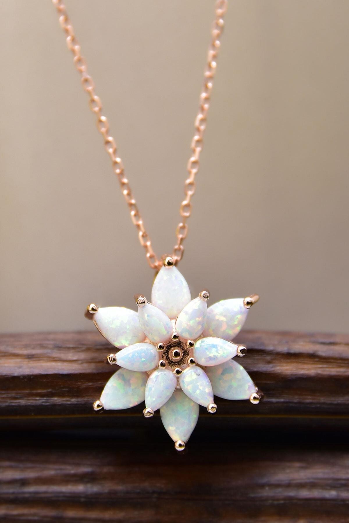 Papatya Silver 925 Ayar Gümüş Beyaz Doğal Opal Taşlı Lotus Kolye 1