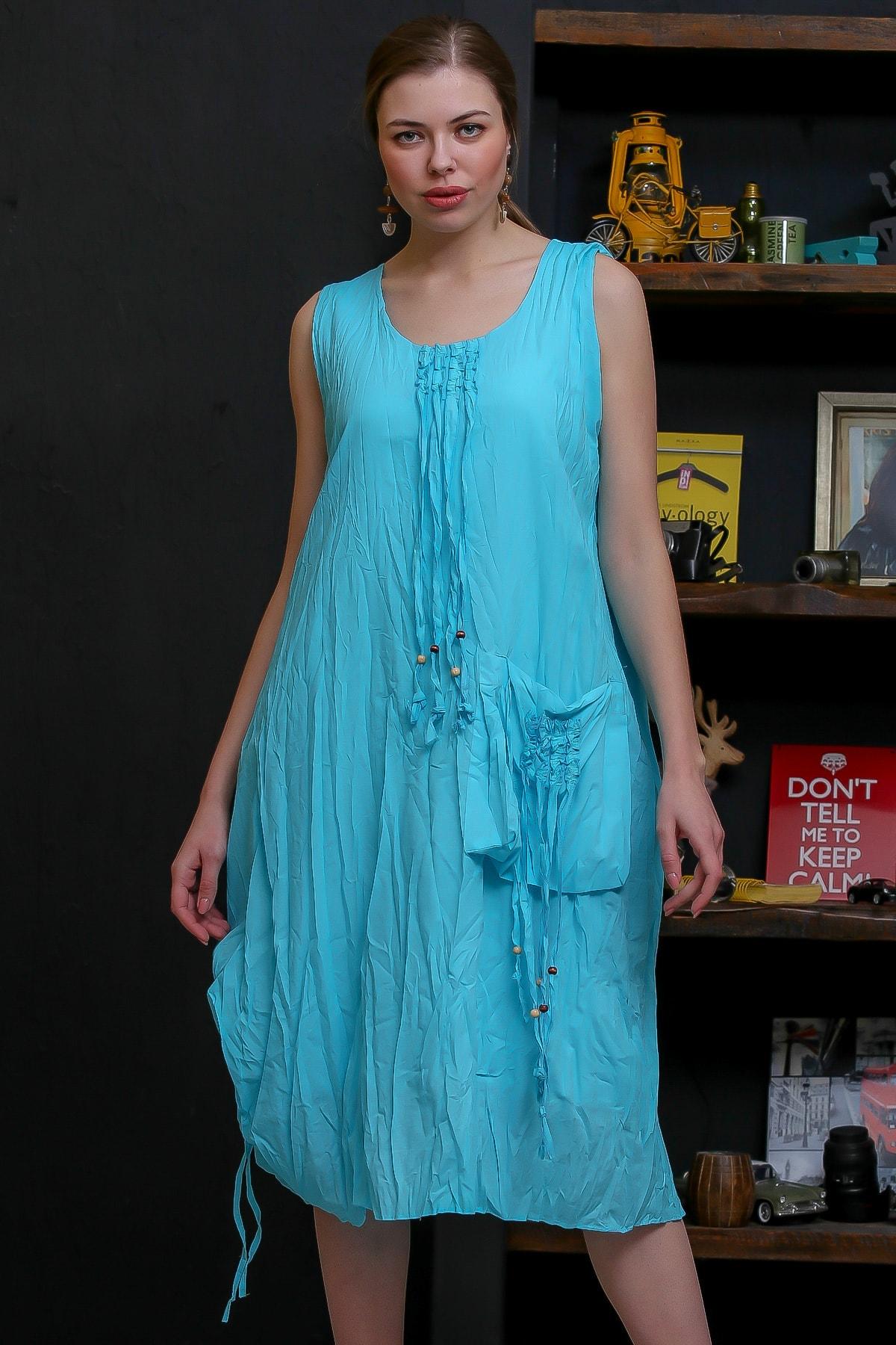 Chiccy Kadın Turkuaz Ahşap Boncuklu Biye Detaylı Dev Cepli Salaş Astarlı Dokuma Elbise M10160000EL95751
