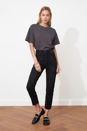TRENDYOLMİLLA Antrasit Yüksek Bel Mom Jeans TWOAW20JE0129