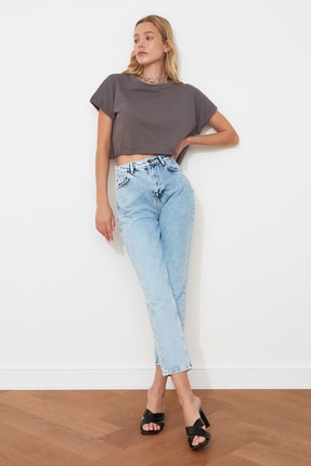 TRENDYOLMİLLA Mavi Yüksek Bel Mom Jeans TWOAW21JE0088