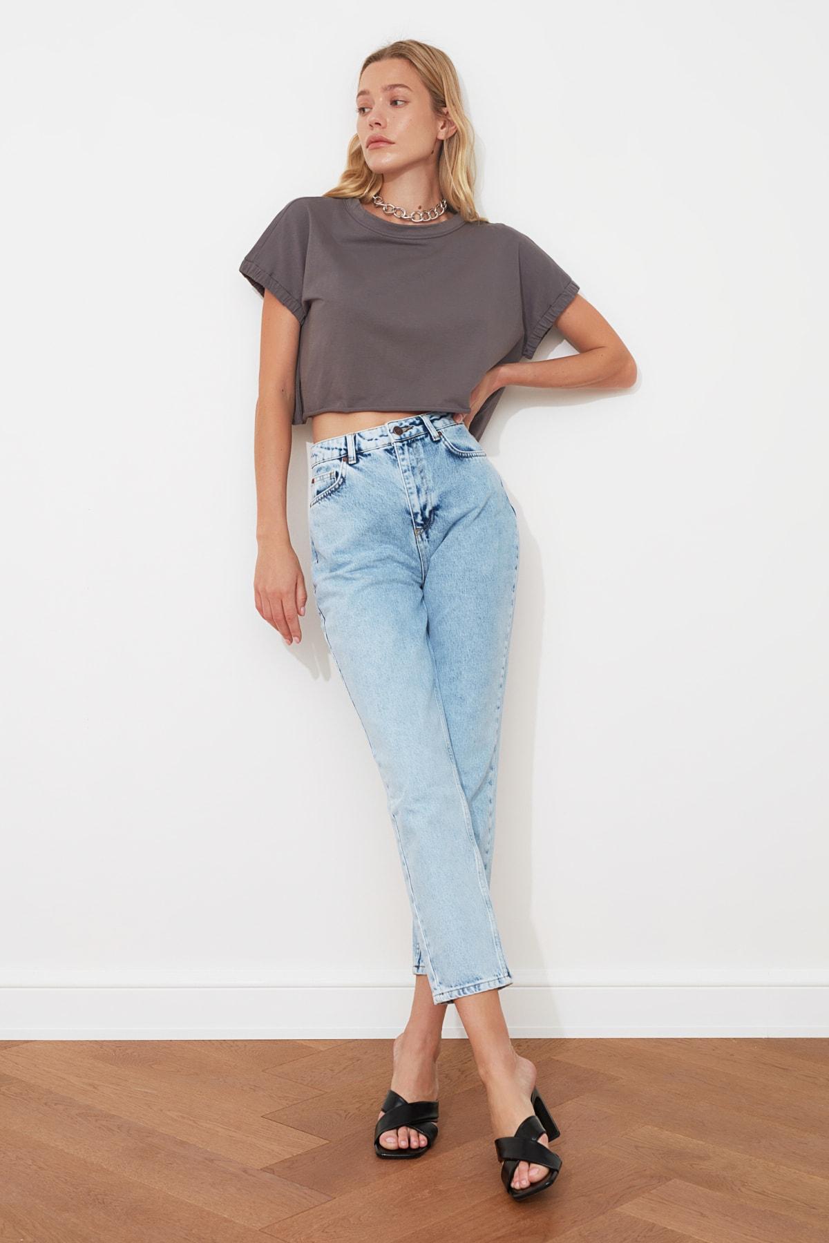 TRENDYOLMİLLA Mavi Yüksek Bel Mom Jeans TWOAW21JE0088 1