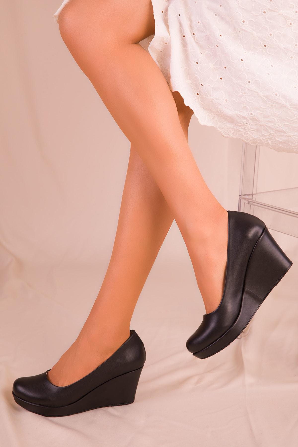 SOHO Siyah Kadın Dolgu Topuklu Ayakkabı 15849 1