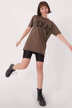Addax Kadın Kahve Yazı Detaylı T-Shirt P9513 - I8 Adx-0000023541