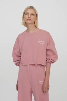 Pull & Bear Kadın Pembe Slogan İşlemeli Crop Fit Sweatshirt