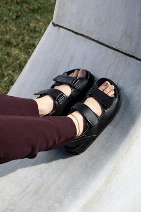 KUPON SHOES Kadın Siyah Cırtlı Mat Sandalet