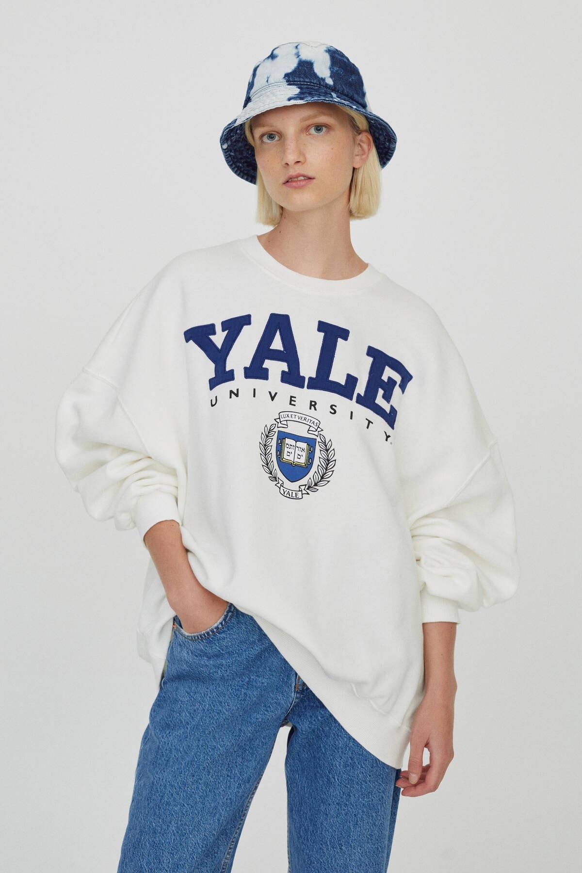 Pull & Bear Beyaz Yale Sloganlı Sweatshirt