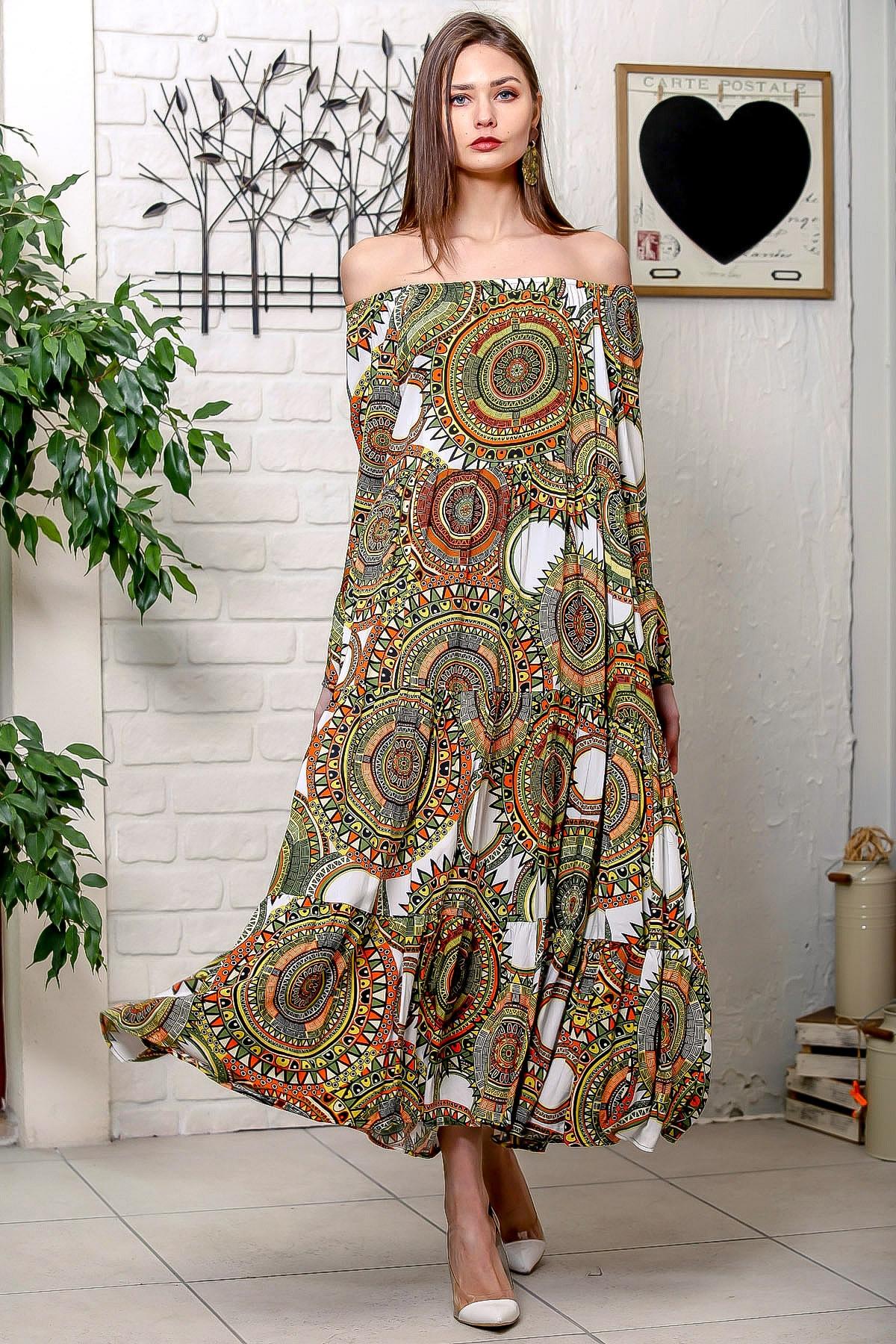 Chiccy Kadın Yeşil-Beyaz Carmen Yaka Geometrik Desenli Kol Ucu Volanlı Salaş Dokuma Elbise M10160000EL95906