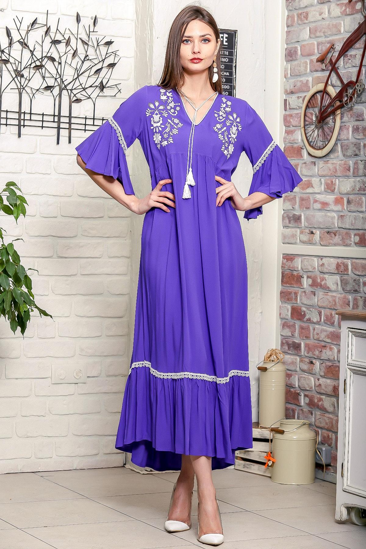 Chiccy Kadın Mor Çiçek Nakışlı V Yaka Kol Ve Etek Ucu Dantelli Dokuma Salaş Elbise M10160000EL95902