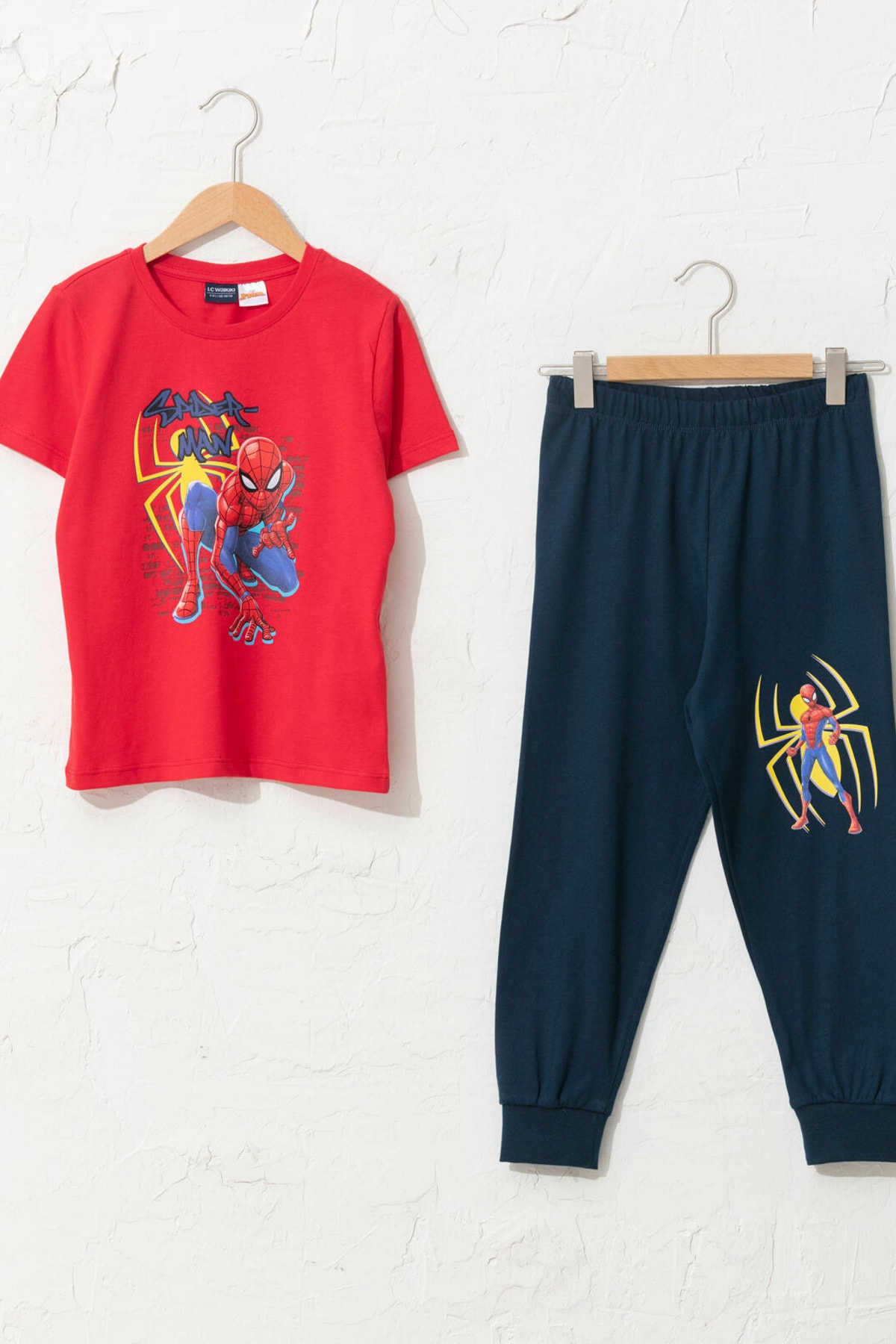 LC Waikiki Spiderman Erkek Çocuk Canlı Kırmızı Hnk Pijama Takımı 1