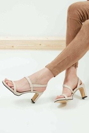 Mio Gusto Kadın Ten Rengi Küt Burunlu Topuklu Sandalet
