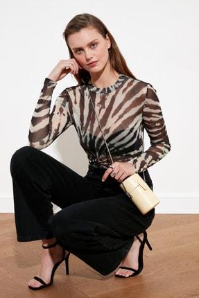 TRENDYOLMİLLA Çok Renkli Batik Desen Tül Örme Bluz TWOSS21BZ0764