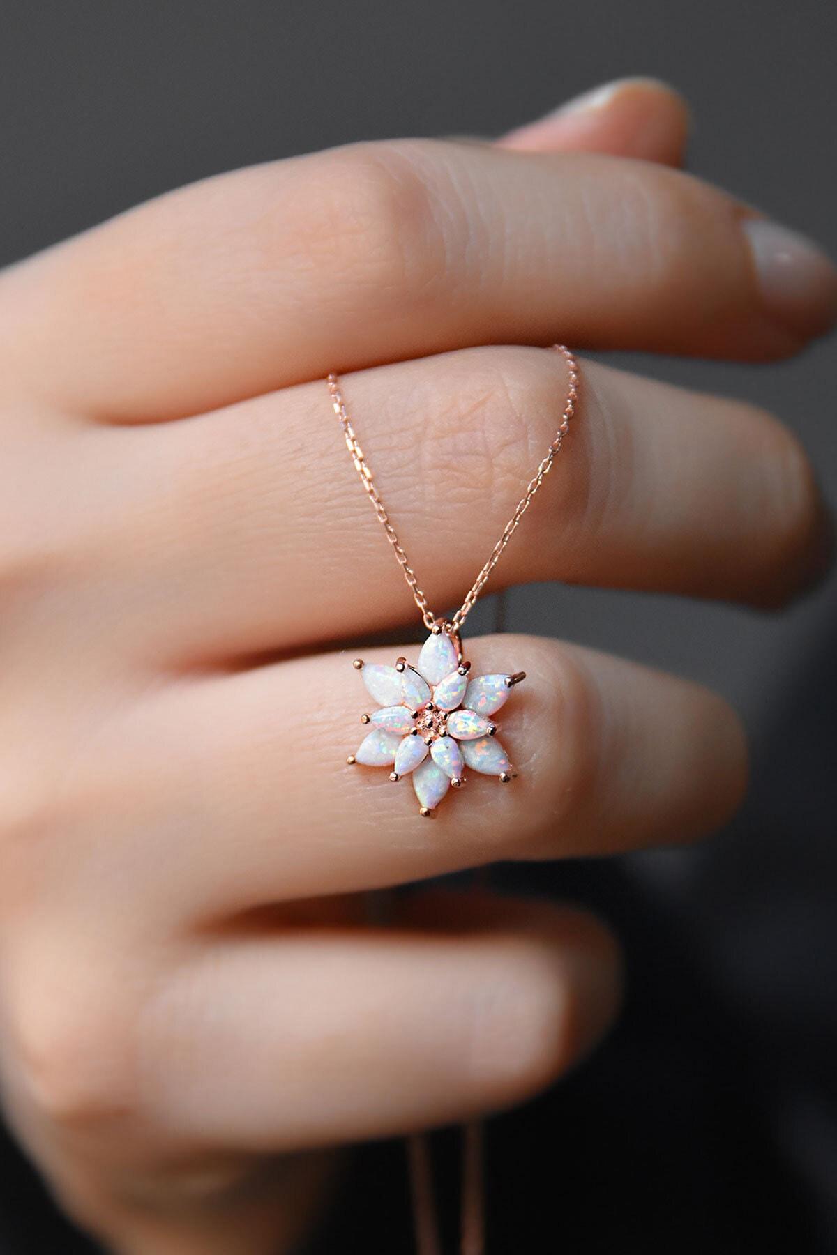 Papatya Silver 925 Ayar Gümüş Beyaz Doğal Opal Taşlı Lotus Kolye 2