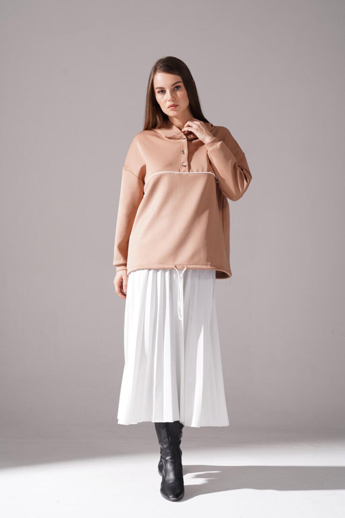 Mizalle Kadın Bej Önü Düğmeli Sweatshirt 1