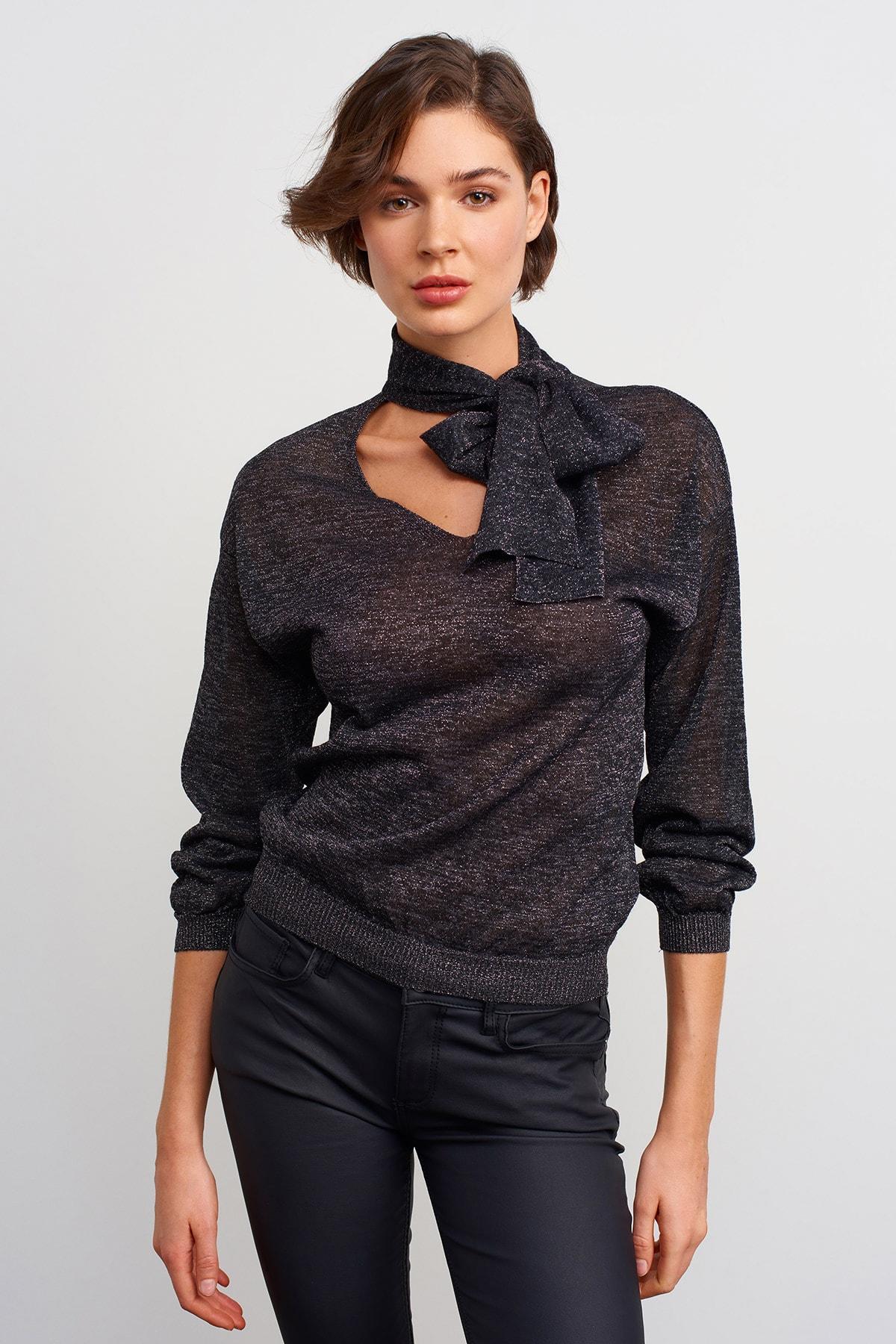 JOIN US Kadın Siyah Bağlama Yaka Simli Triko Bluz 1