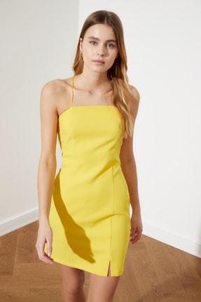 TRENDYOLMİLLA Sarı İnce Askılı Yırtmaç Detaylı Elbise TWOSS21EL0325