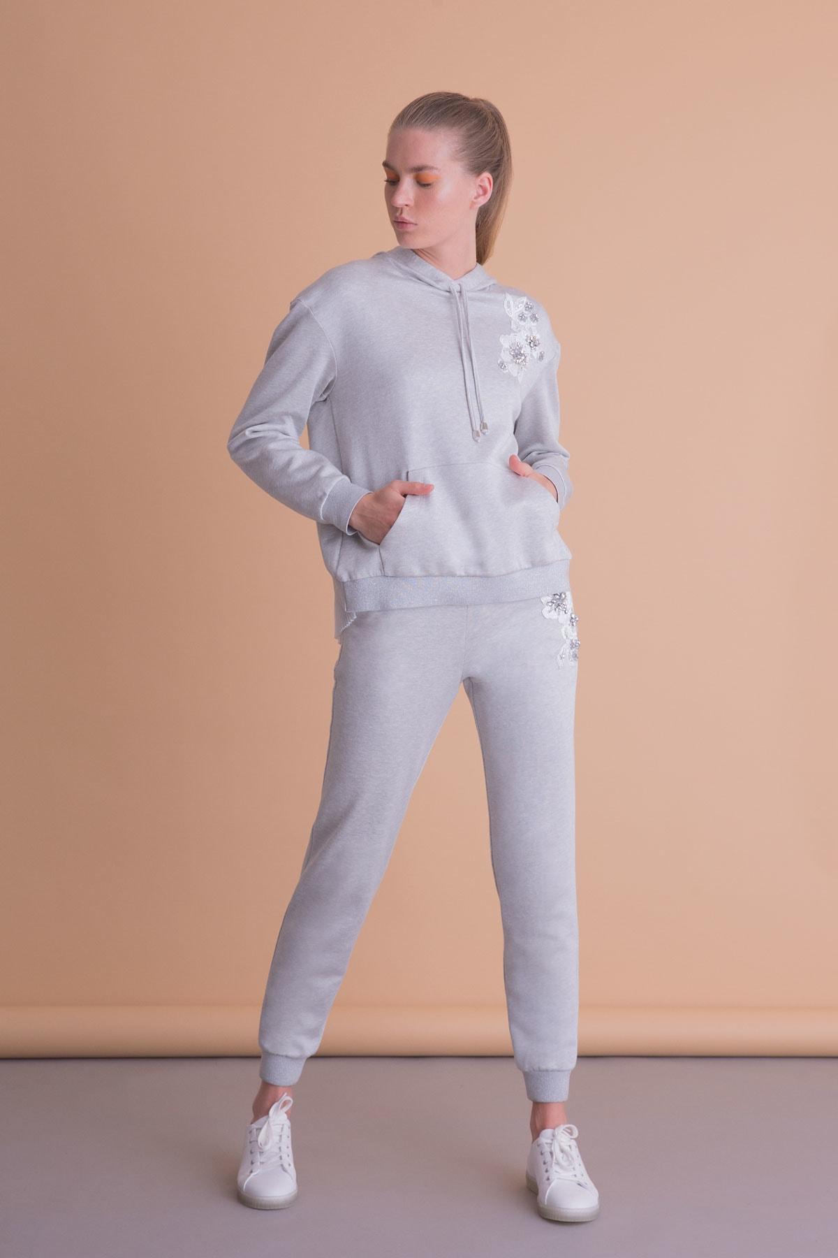 xGIZIA Aplike Detaylı Gri Kapüşonlu Sweatshirt 1