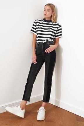 TRENDYOLMİLLA Siyah Renk Bloklu Yüksek Bel Slim Fit Jeans TWOAW21JE0017
