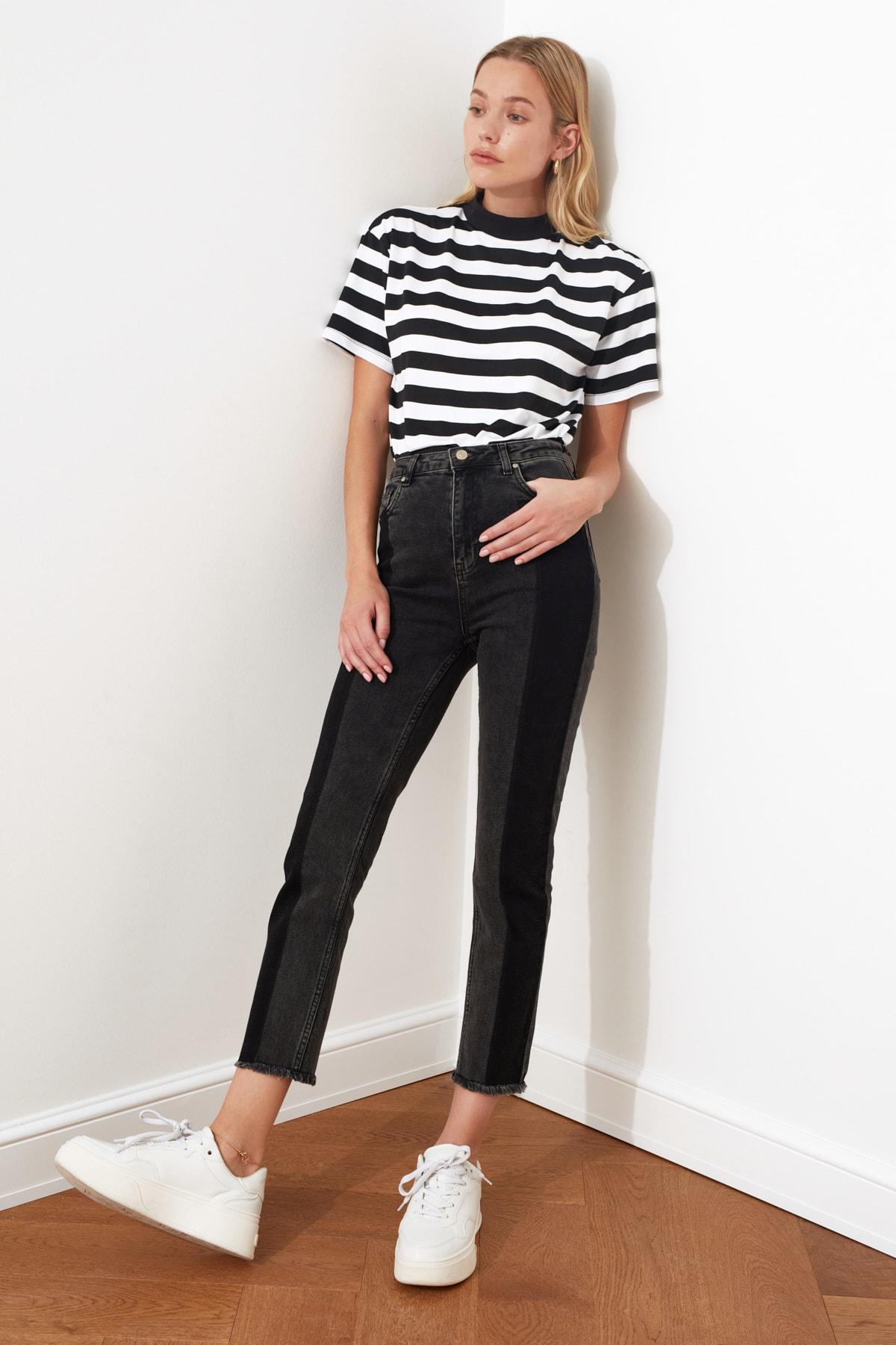 TRENDYOLMİLLA Siyah Renk Bloklu Yüksek Bel Slim Fit Jeans TWOAW21JE0017 1