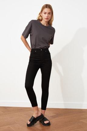 TRENDYOLMİLLA Solmayan Siyah Yüksek Bel Skinny Jeans TWOSS19LR0279