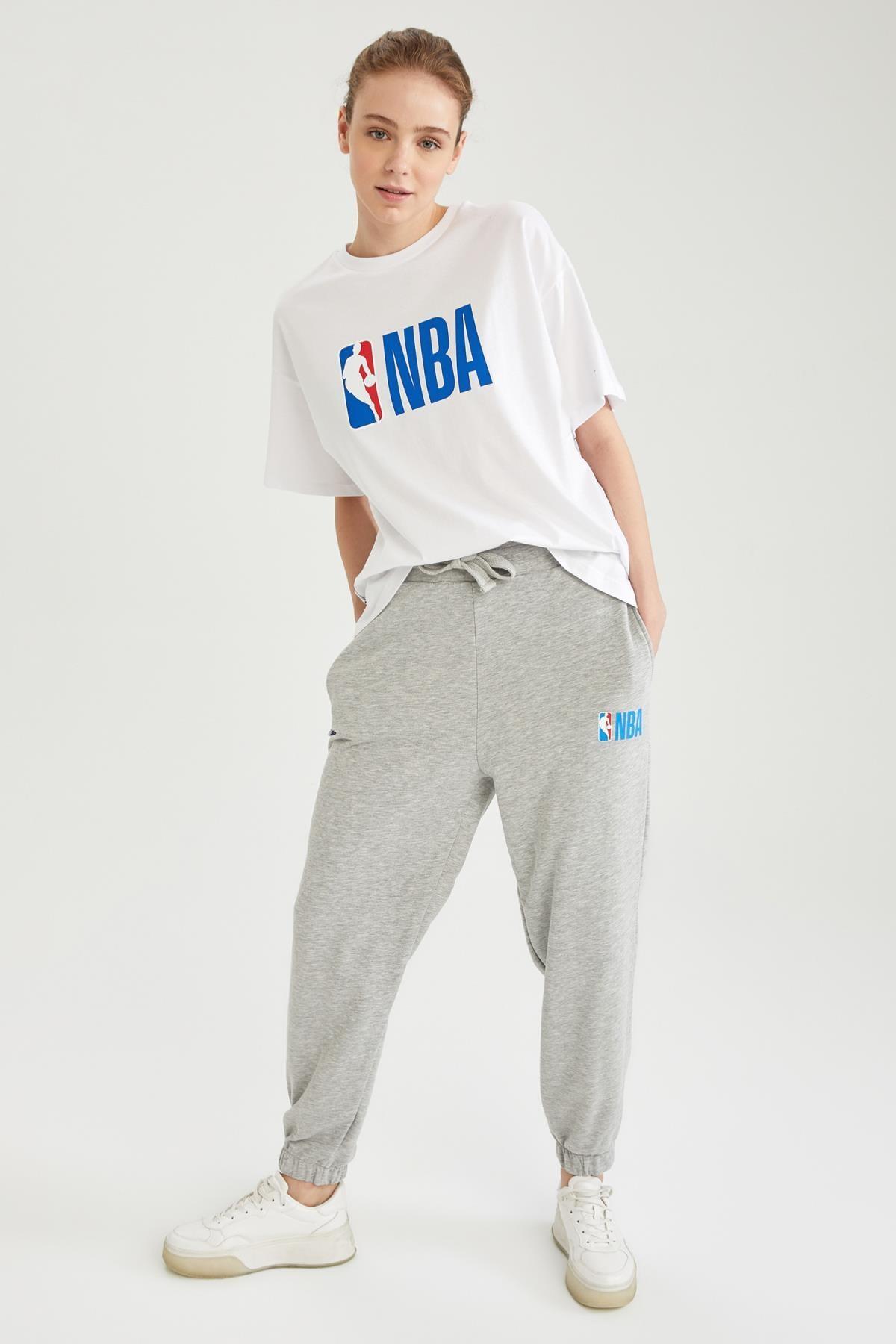 DeFacto Kadın NBA Lisanslı Bağcıklı Relax Fit Jogger Eşofman Altı T5430AZ21SP