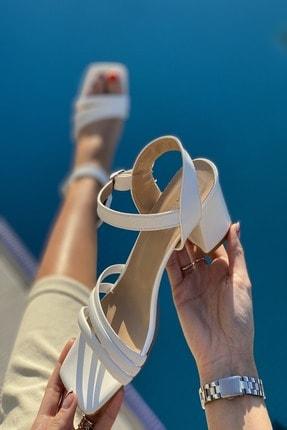 İnan Ayakkabı Kadın Beyaz Üç Bant ve Bilekten Kemer Detaylı Topuklu Ayakkabı