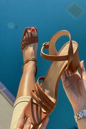 İnan Ayakkabı Kadın Üç Bant Ve Bilekten Kemer Detaylı Topuklu Ayakkabı