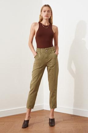 TRENDYOLMİLLA Haki Beli Lastikli Dikiş Detaylı Yüksek Bel Mom Jeans TWOSS21JE0230