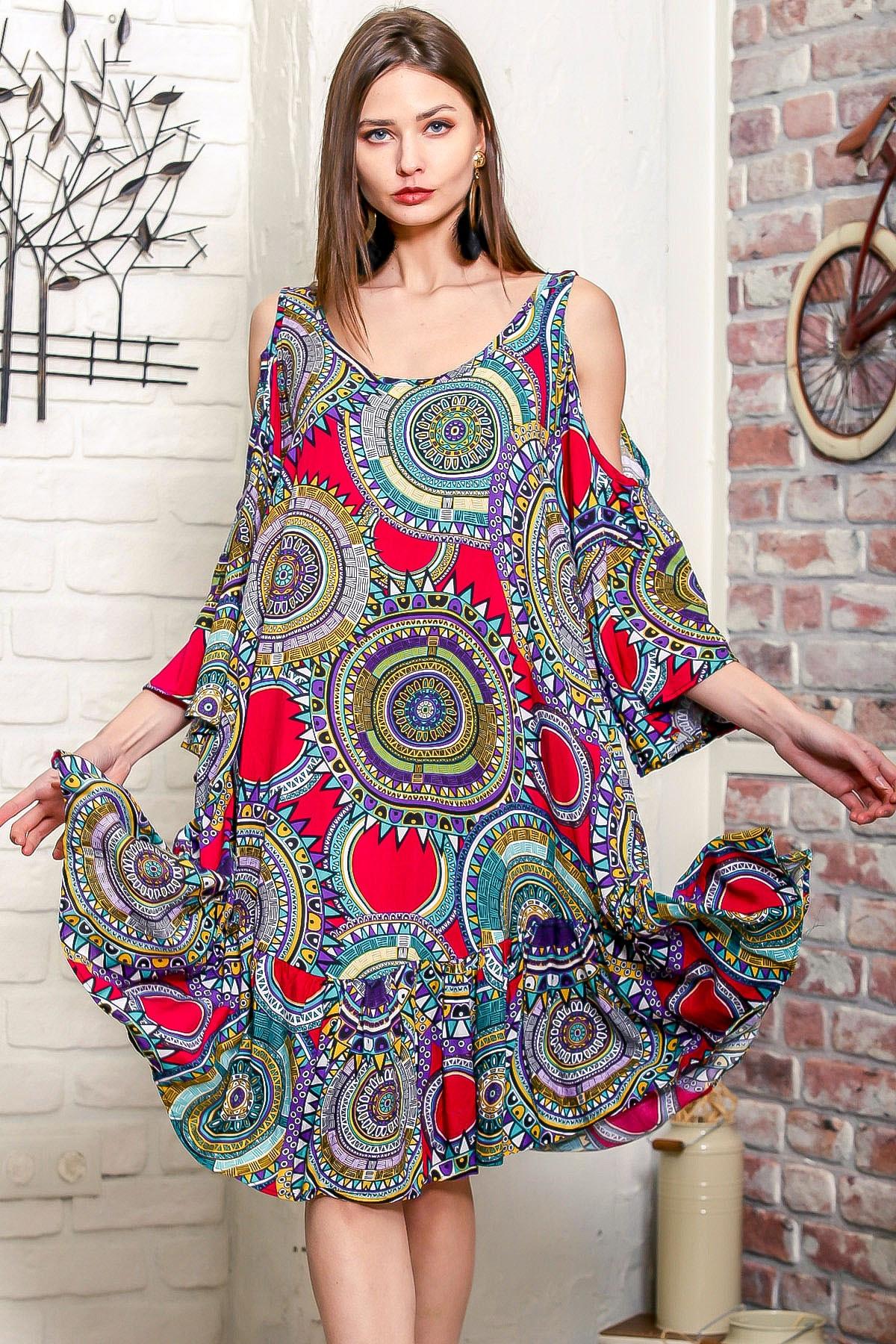 Chiccy Kadın Kırmızı-Yeşil Omuzları Pencereli Geometrik Desen Kolları Volanlı Salaş Elbise