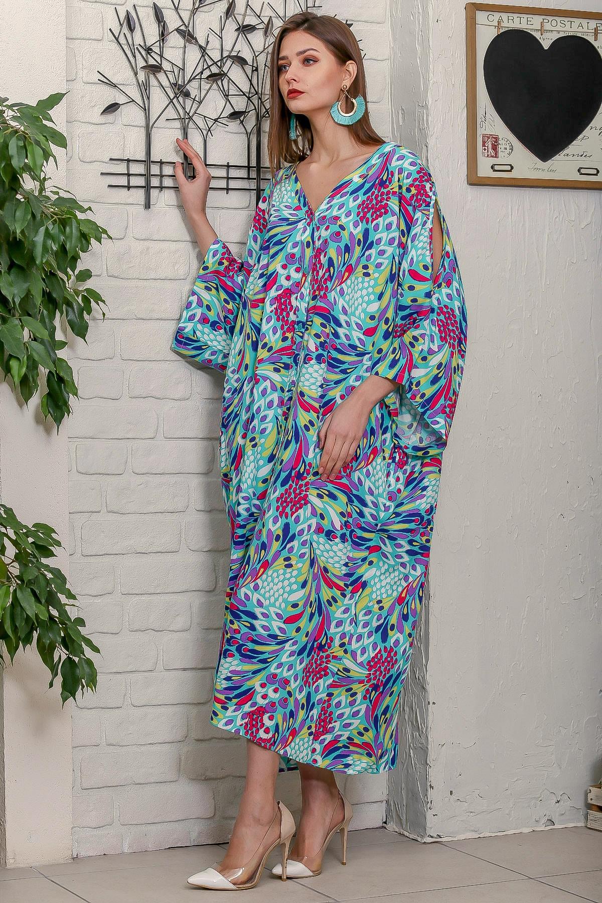 Chiccy Kadın Turkuaz Tavus Kuşu Tüy Desenli Omuzları Pencereli Düğme Detaylı Salaş Uzun Dokuma Elbise 2