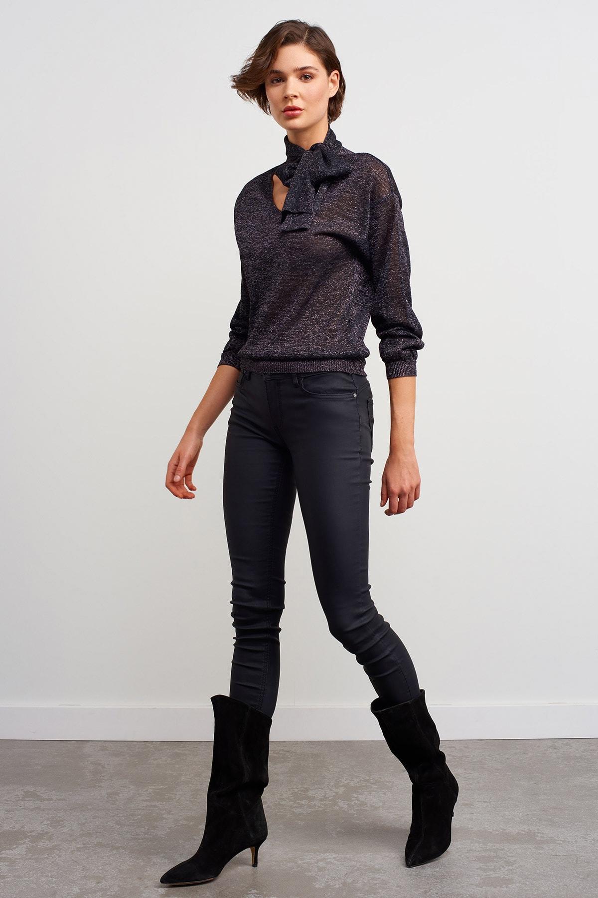 JOIN US Kadın Siyah Bağlama Yaka Simli Triko Bluz 2