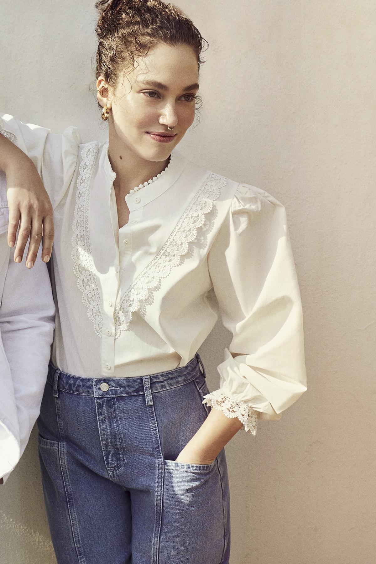 TRENDYOLMİLLA Beyaz İşlemeli Gömlek TWOAW21GO0077 2