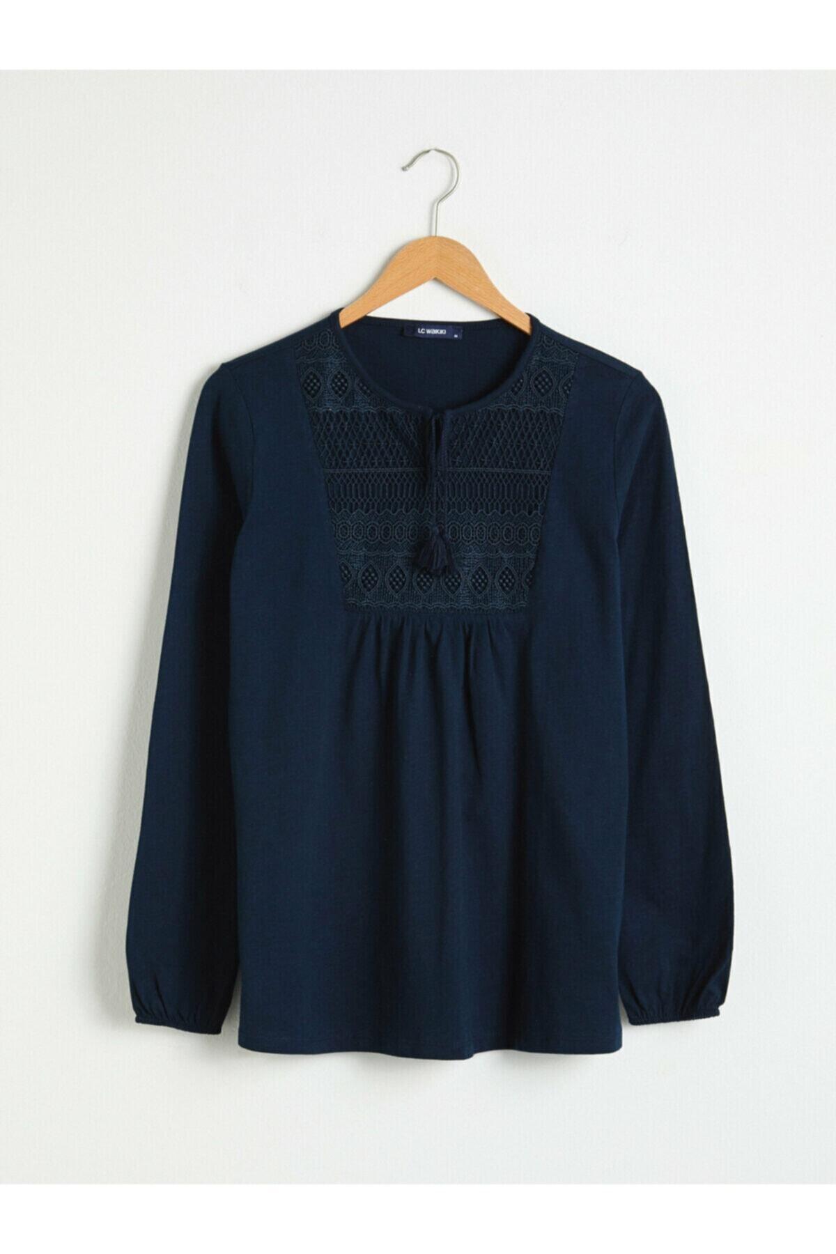 LC Waikiki Kadın Lacivert Bluz 1