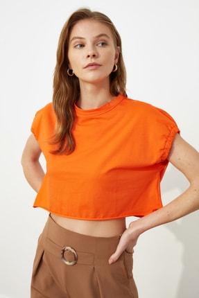 TRENDYOLMİLLA Turuncu Crop Örme T-Shirt TWOSS20TS1257